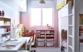 Schmales Kinderzimmer Mit Schrage Einrichten Schmales Kinderzimmer