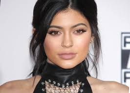 kylie jenner s makeup artist reveals the brow mistake we all make