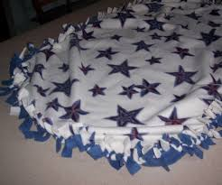 How to Make a Tied Fleece Blanket: 10 Steps (with Pictures) &  Adamdwight.com