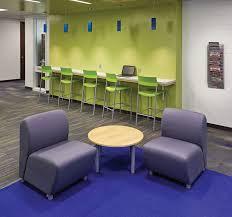 School Age Kids Room Design With Student Desks And Bright DecoratingSchool Computer Room Design