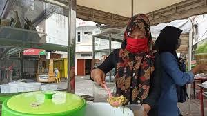 Sebab selain mengenyangkan, bubur juga termasuk masakan praktis dan sederhana. Kuliner Berbuka Khas Aceh Bu Rosmalina Bubur Pedas Dan Kanji Rumbi Aceh Jadi Primadona Halaman All Tribun Medan