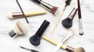 natural spray recipe for cleaning makeup brushes how to prepare and use at home