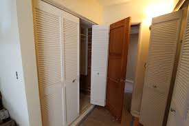 bifold louvered closet doors white idea