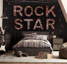 Rock Star Bedroom | 10 Amazing Music Themed Bedrooms http://www.mydesignweek