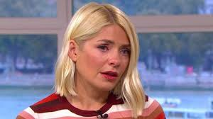 Contact holly willoughby on messenger. Holly Willoughby Reduced To Tears On This Morning As Colleague Recalls Domestic Violence Lmfm
