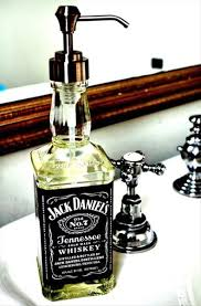 Cool soap dispenser Ideas Jack Daniels Soap Dispenser And Other Cool Mancave Stuff Pinterest Man Cave Badkamer Pinterest Ideeën Badkamer En Drankflessen