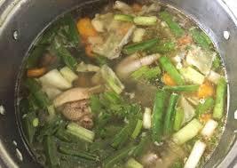 Jadikan sayur sop dengan kombinasi brokoli, wortel dan ceker ayam berikut ini sebagai pilihan sajian makan keluarga di rumah. Cara Membuat Sayur Sop Tulang Ayam Ceker Yang Sedap