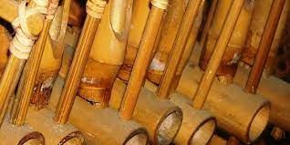 Di luar negeri, panggilannya tetap sama, tetapi dengan penulisan yang berbeda yakni accordeon. 5 Macam Alat Musik Tradisional Indonesia Yang Populer Dan Mendunia Merdeka Com