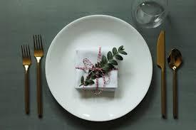 Simplify Your Holidays: Easy \u0026 Gorgeous Christmas Table Settings