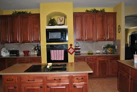 Yellow And Brown Kitchen Yellow Kitchen Walls With Dark Cabinets I Dont Really Like The