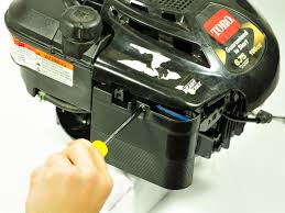 How to clean and maintain your Briggs and Stratton 675 Series ...