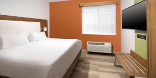 San Antonio Hotel Suites 2 Bedroom Holiday Inn Express Suites San Antonio Dtwn Market Area Hotel By Ihg