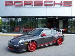 Porsche 911 gt3 rs modeli'nin teknik özellikleri ve tasarım detaylarını inceleyebilirsiniz. 2010 Porsche Gt3 Rs In Grey Black With Red Wheels And Graphics Porschebahn Weblog