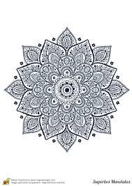 Coloriage D Un Superbe Mandala En Forme D Toile Facile Colorier
