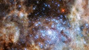 El telescopio espacial Hubble encuentra 'estrellas monstruo' | CNN