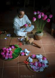 How To Make A Lotus Flower Out Of Paper Paper Lotus Flowers Making Hue Vietnam 1 License