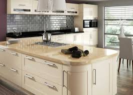 Kitchen Style Island Shaker Cream Cabinets With Home Design Kitchens