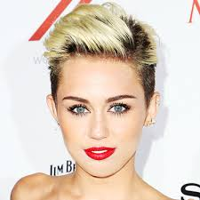 Uno de los últimos vídeos de Miley Cyrus ha causado sensación y logrado captar la atencón de todos los públicos. 2013-miley-cyrus - 2013-miley-cyrus