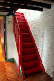 Painted Wood Stairs Best 20 Cottage Stairs Ideas On Pinterest Cottages Farmhouse