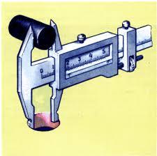 КОНТРОЛЬНО ИЗМЕРИТЕЛЬНЫЙ ИНСТРУМЕНТ Для измерений с еще большей точностью используют микрометр см рис Скоба соединяет неподвижные пятку и стебель имеющий внутреннюю резьбу