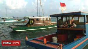 Indonesian navy fires on Chinese <b>fishing boat</b> in disputed waters ...
