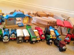 thomas the tank engine and friends wooden train set and