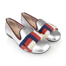 gucci girls silver leather shoes