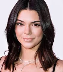 Hairstyles For Thinning Hair 100 Awesome These Are The 24 Best Haircuts For Thin Hair Byrdie