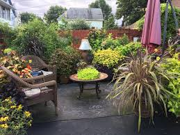 spring has finally arrived and it s time to start thinking about the garden and landscape to help you plan your best garden ever i ve gathered four of the