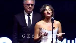 Altın Portakal Ödül Töreni | Nihal Yalçın ve Tamer Karadağlı - YouTube