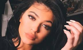 these kylie jenner makeup tutorials will make your lips look amazing