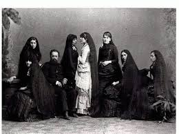 pioneer woman 1800s hair. hair of the seven sutherland sisters c. 1900 - were a group singing women from niagara, new york, famous for their very long pioneer woman 1800s y