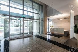 contemporary office building. Entrance And Reception In A New Contemporary Office Building Stock Photo - 19688905 U