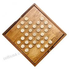 Wooden Peg Solitaire Game Sumnacon Wooden Peg Solitaire Board Game Mini High Q Brain Teaser 78