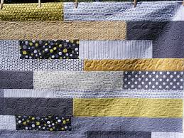 TIA CURTIS QUILTS: Julie's Yellow and Gray quilt & Julie's Yellow and Gray quilt Adamdwight.com