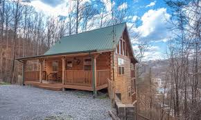 exterior living kitchen recreation bedrooms bathrooms gatlinburg cabins