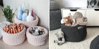 Os objetos fazem parte da tendência escandinava, que busca agregar elementos naturais e funcionais ao ambiente! Cesto De Croche Com Fio De Malha 10 Ideias Para Usar Na Organizacao Da Sua Casa Casinha Arrumada