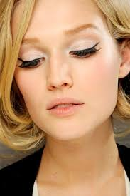 there s always the clical type which is basically black eye liner and the simple sleek shape