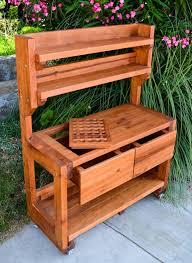 Pallet Potting Bench Useful For Different Chores  101 PalletsPlans For A Potting Bench
