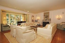 Sweet Looking 13 Romantic Living Room Ideas