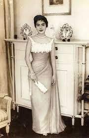 ภาพสมเด็จพระราชินี พระราชินีสิริกิติ์ รวมภาพพระราชินีกว่า 1000 ภาพ  ภาพสมเด็จพระนางเจ้าฯ ภาพเก่าในอดีต ภาพหายาก Queen Photos, Queen Siriki… |  คนดัง, ภาพหายาก, ราชินี