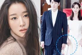 When oh jung se approaches them, seo ye ji is still unsure, and she asks, did i do something wrong? the director tells kim soo hyun to make his lying noticeable when he acts, and kim soo hyun replies, okay, i'll be the type who's bad at lying. Yumkb Au4n19hm