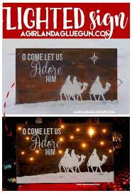 Wooden Christmas Sign With Lights Christmas Signs Christmas Signs Wood Christmas Pallet