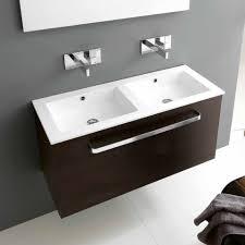 Rubinetti per lavabo bagno: doppio lavabo per arredo bagno moderno
