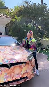 Jojo siwa was born on may 19, 2003 as jojo siwa is a youtube sensation, pop star, dancer, entrepreneur, social media influencer and the new york times bestselling author. Paris Hilton And Jojo Siwa Compare Their Custom Cars And Clothing Ceos Of Being Extra Daily Mail Online