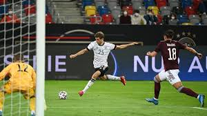 Ergebnisse, nachrichten, videos und bilder. Fussball Em Deutschland Schlagt Lettland 7 1 Zeit Online