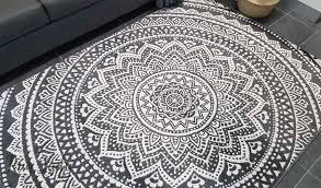 mandala black and white modern rug