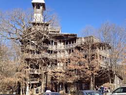 The Big Treehouse  Marshalltown IowaLargest Treehouse In America