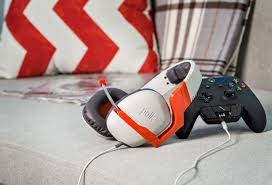 polk audio striker zx xbox one gaming headset review gamerhub tv backed by decades of world renowned audio history and built to deliver adrenaline rushing audio quality the polk striker zx s audio exclusively designed