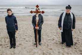 Image result for Photos Polish Prayer Rosary at the Borders